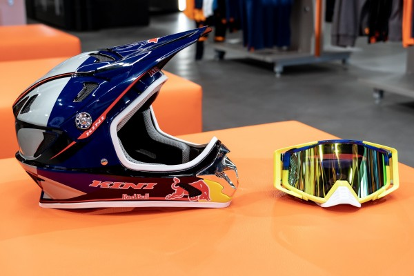 KINI Red Bull MTB Helm Set Konfigurator